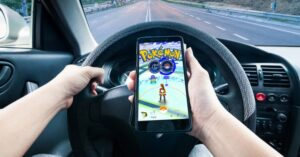 dont play Pokemon Go while driving.