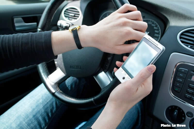 smartphones texting driving